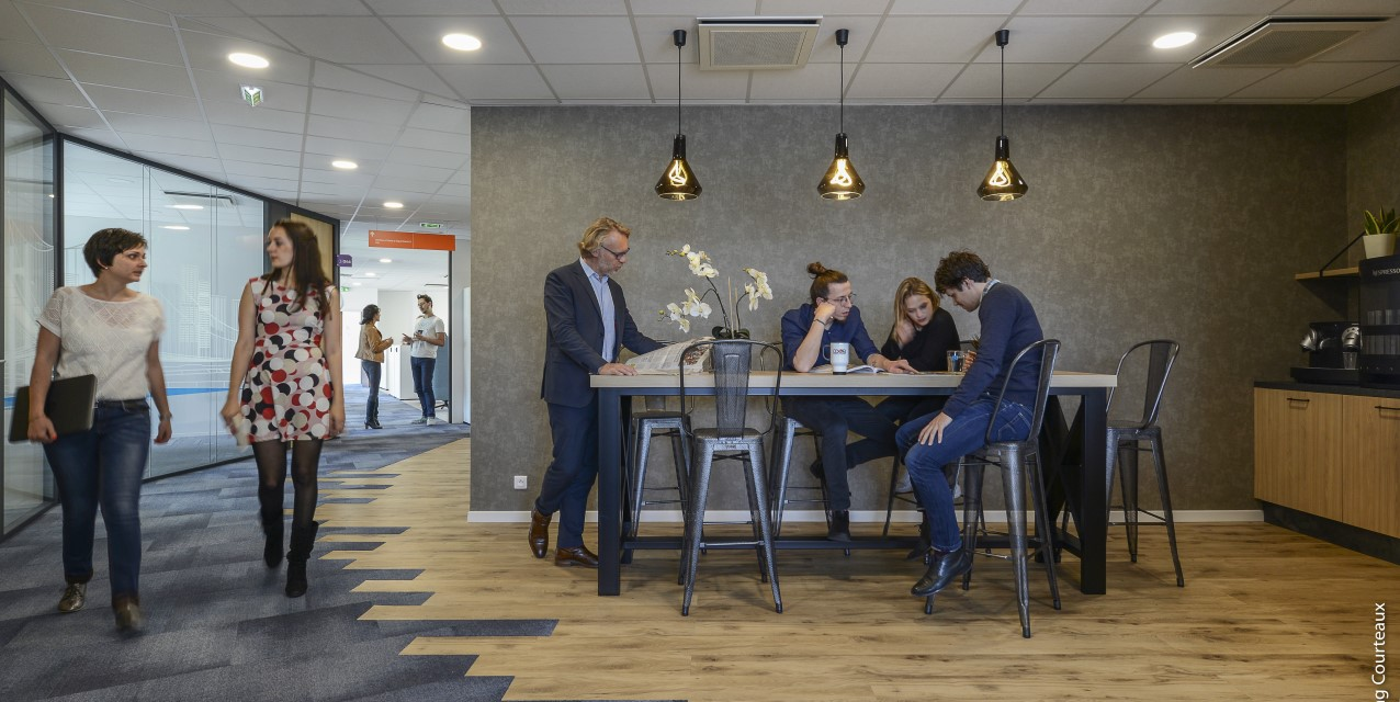 socotec_employees_meeting